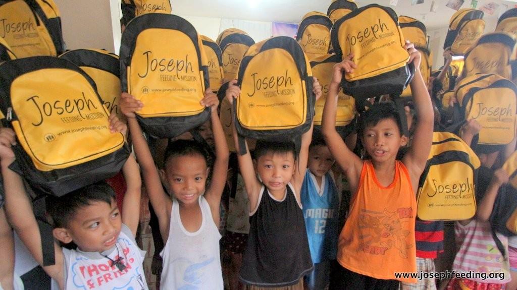 2015-06-SCHOOL BAGS PAYATAS